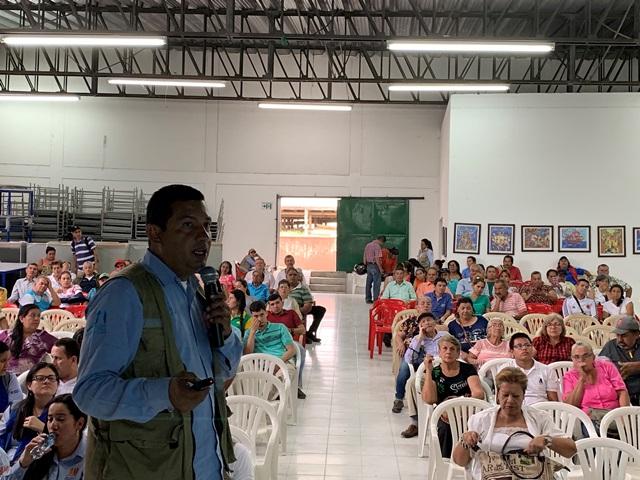 El Coordinador Social Victor Hugo Guzmán expuso el avance de la gestión social mediante material audiovisual descriptivo.